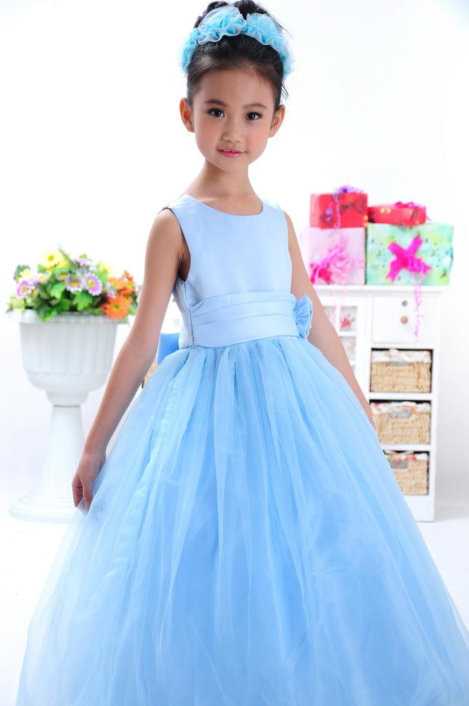童星樊嘉琪拍摄朵朵公主儿童礼服婚纱公主长裙 童装专版